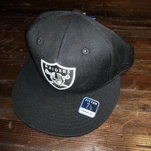 NWT NFL Raiders fitted black flat brim hat cap